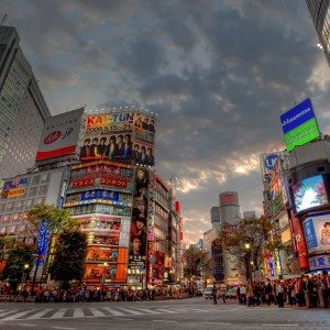 tokyo_road_buildings_people_evening_59574_3840x2160